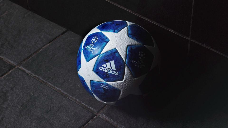 9a014c62c3 FOTO  azul forte na bola da Liga dos Campeões 2018 19
