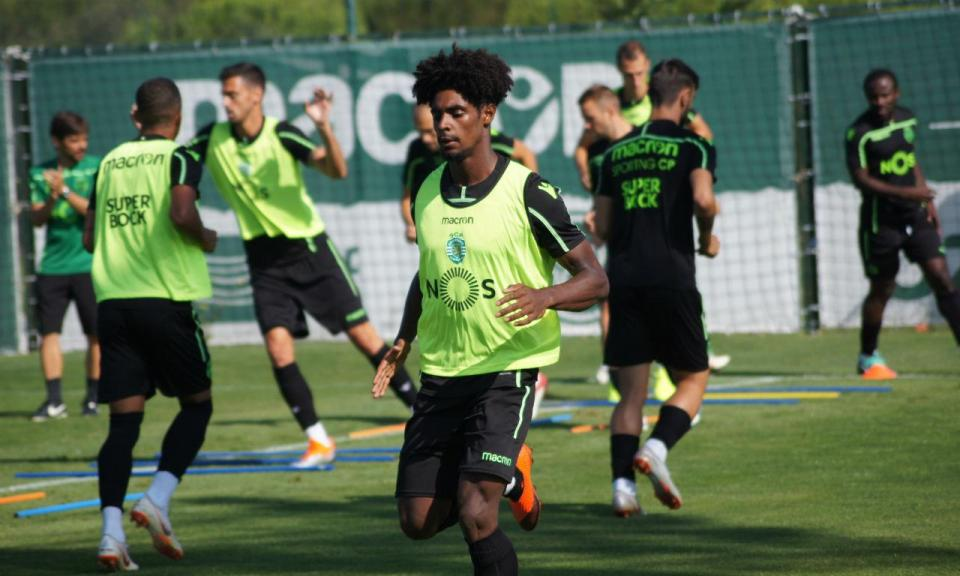 Sporting: Thierry Correia na lista para os Açores