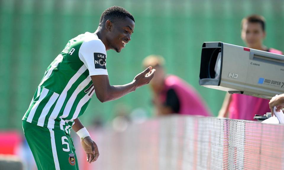 VÍDEO: golo de Gelson Dala dá vitória a Angola