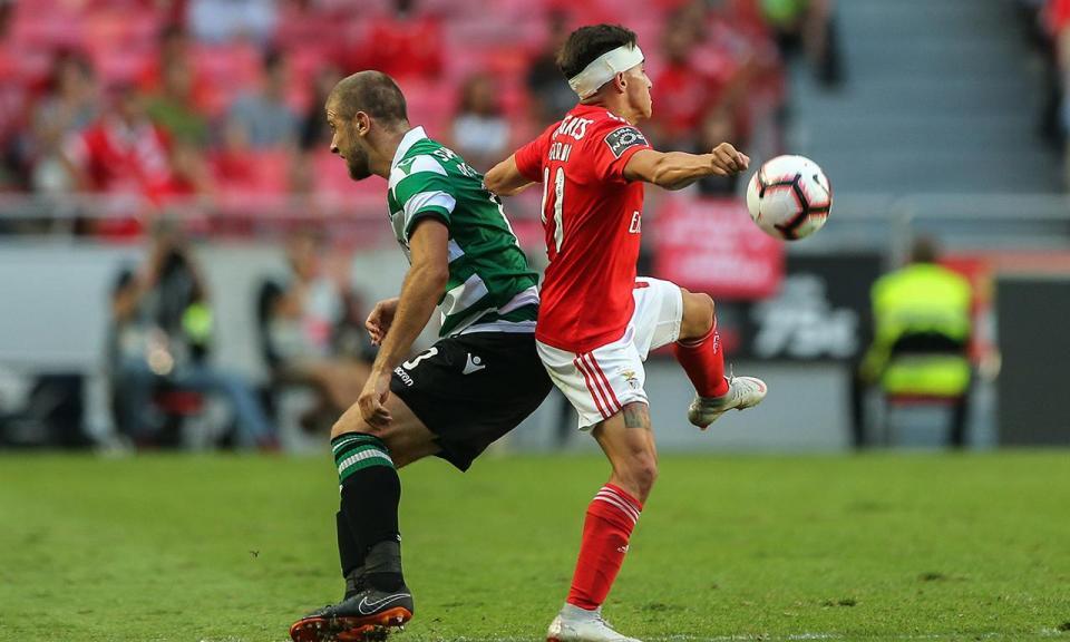 Benfica multado em 4 500 euros por comportamento de público no dérbi