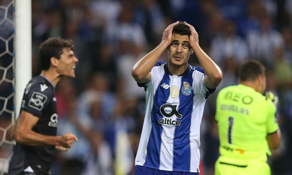 Escândalo no Dragão: há 75 anos que o FC Porto não caía assim