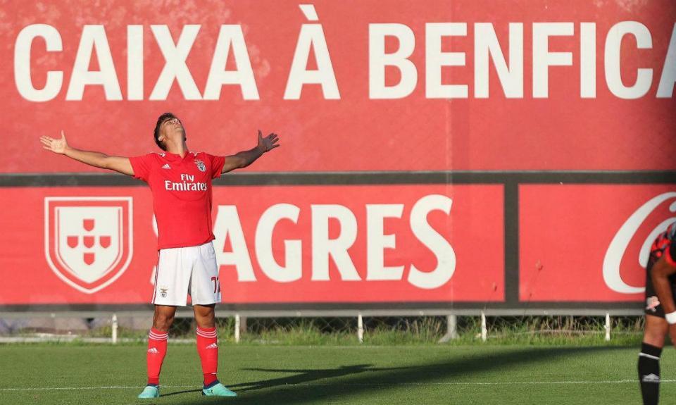Benfica: Vieira quer Jota, Florentino, Ferro e Willock na equipa A