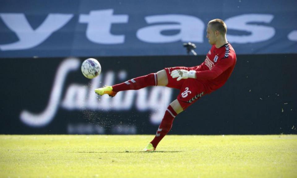 OFICIAL: clube de Luisinho e Rúben Semedo anuncia internacional sérvio