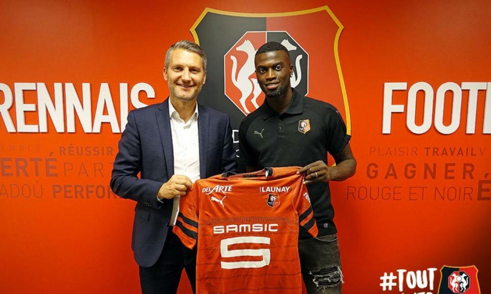 OFICIAL: Rennes contrata internacional senegalês