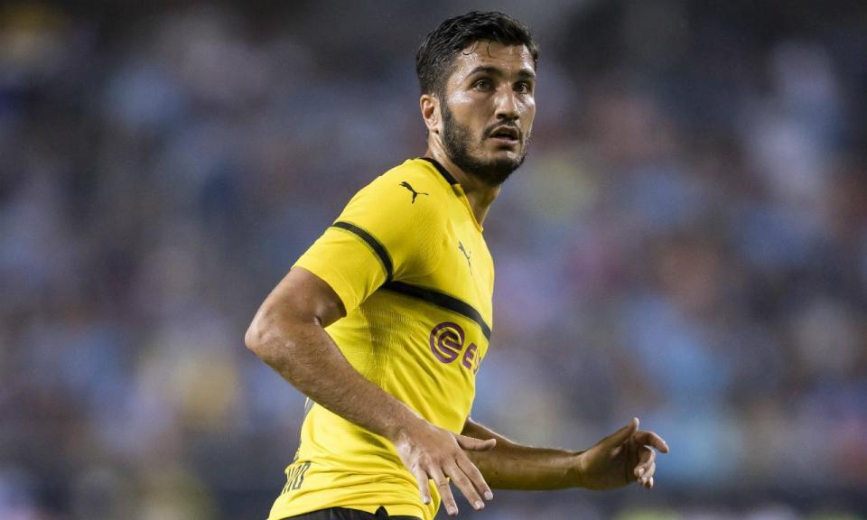 Borussia Dortmund anuncia saída de Nuri Sahin