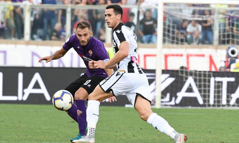 Fiorentina vence Udinese e mantém o pleno de triunfos