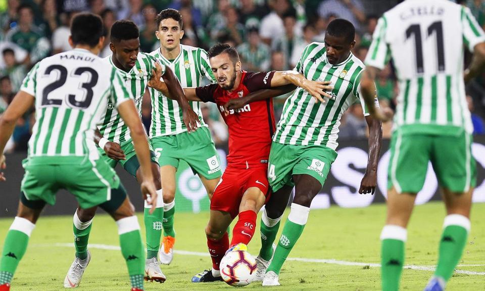 William Carvalho mais feliz do que André Silva no dérbi de Sevilha