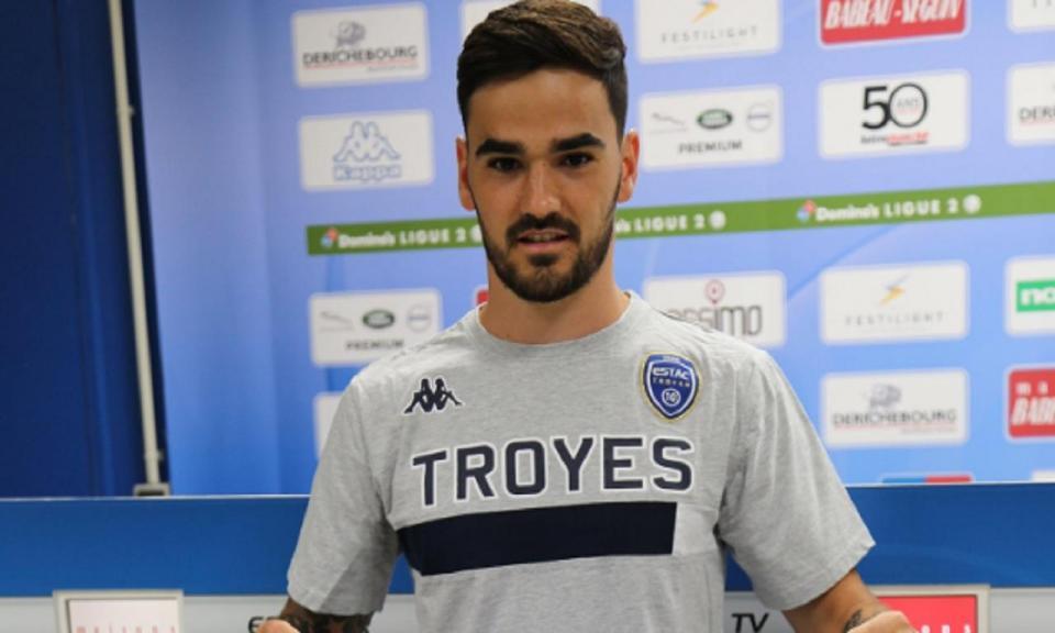 OFICIAL: Claude Gonçalves (ex-Tondela) é reforço do Troyes