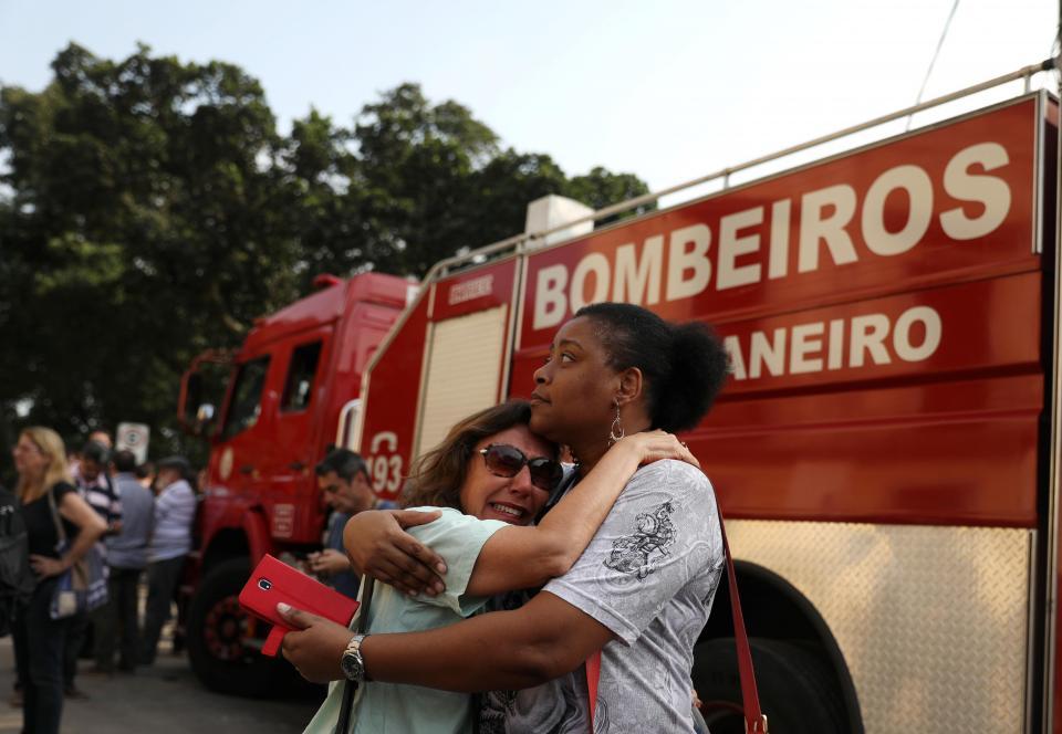 Novo incêndio no Rio de Janeiro: três jovens do Bangu no hospital