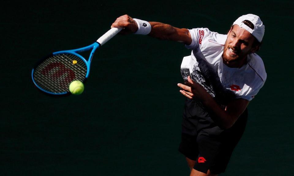 Ténis: João Sousa na segunda ronda do Masters 1000 de Paris