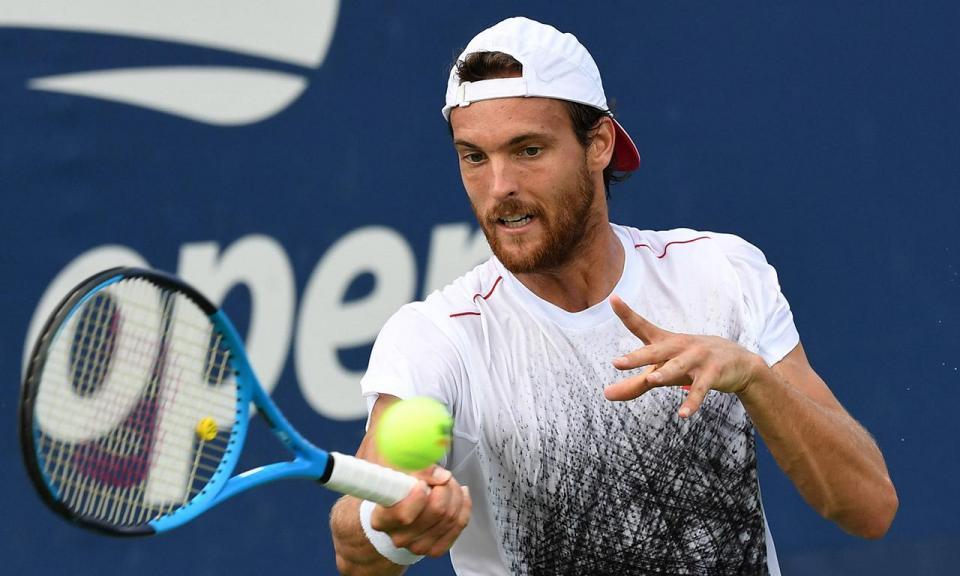ATP Auckland: Sousa elimina um dos tenistas sensação da nova vaga