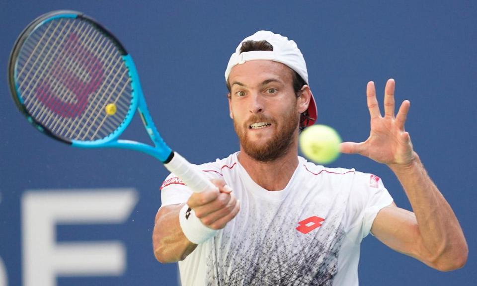 Ténis: João Sousa cai à primeira no ATP500 de Pequim