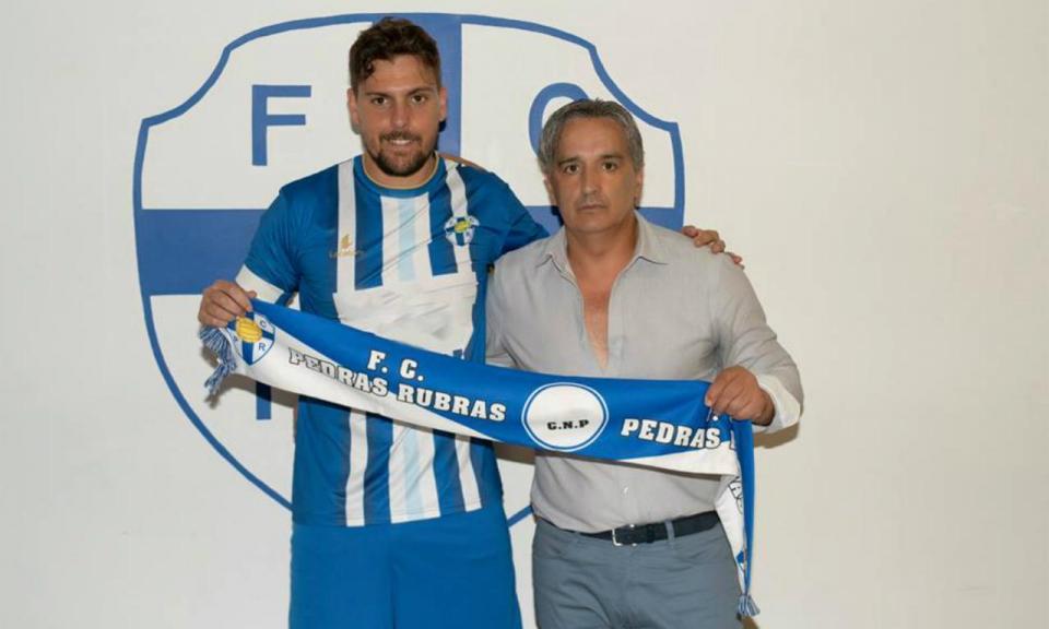 Entrevista a Tiago Cintra: «Autodestruí-me no futebol»