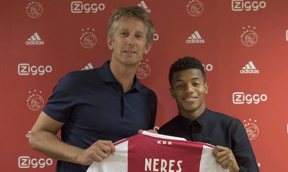 Atenção Benfica: Ajax renova com promessa brasileira