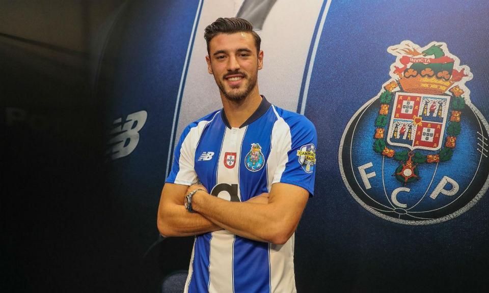FC Porto: André Pereira renova até 2021