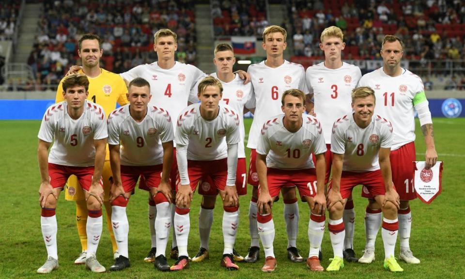 Dinamarca improvisada perde por 3-0 ante a Eslováquia