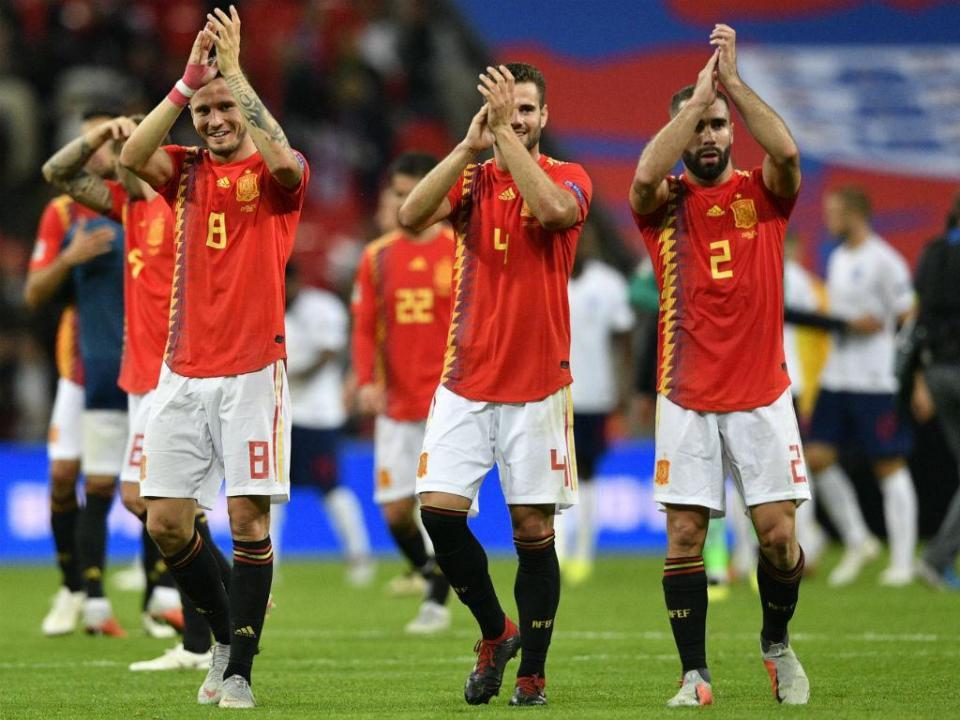 fe41a1b5dd617 VÍDEO  Espanha vence em Inglaterra com Mourinho a ver