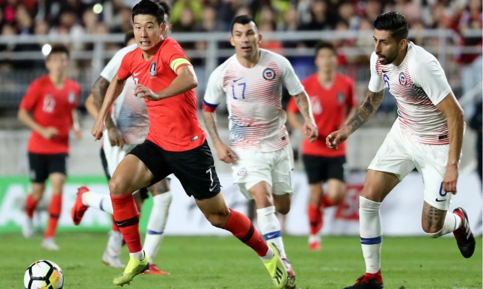 Jogador chileno acusado de racismo antes do jogo com a Coreia