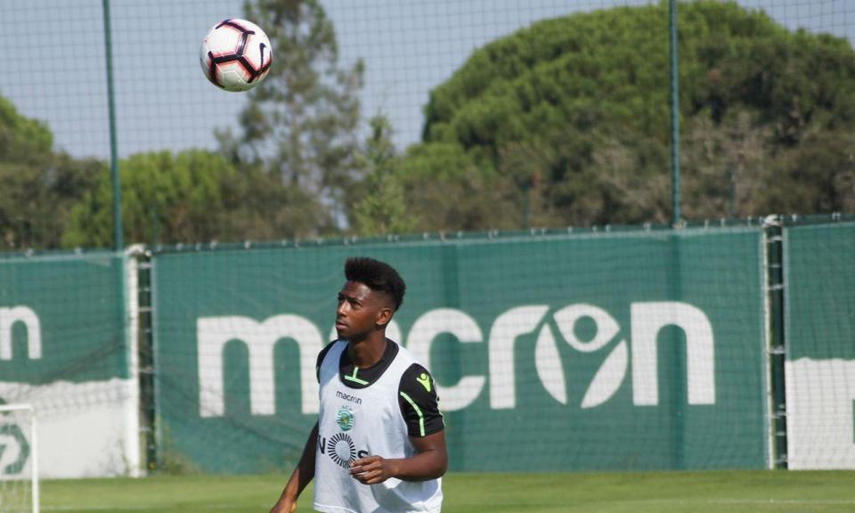 Sporting: Bas Dost e Nani ainda ausentes e um regresso
