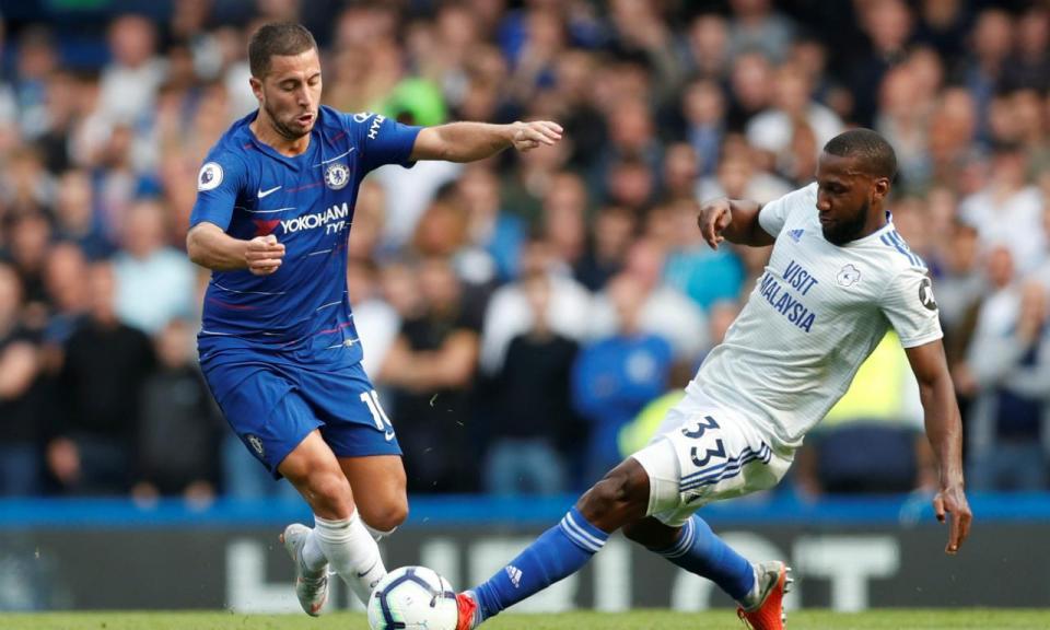 Hazard põe Chelsea no topo, Manchester City não desarma