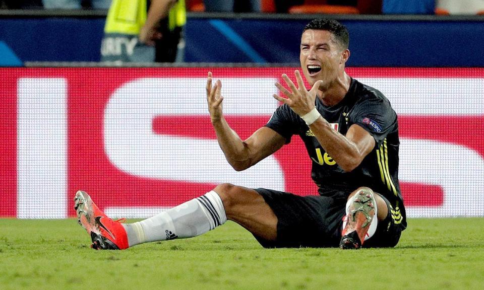 Liga Campeões: um jogo de suspensão para Ronaldo
