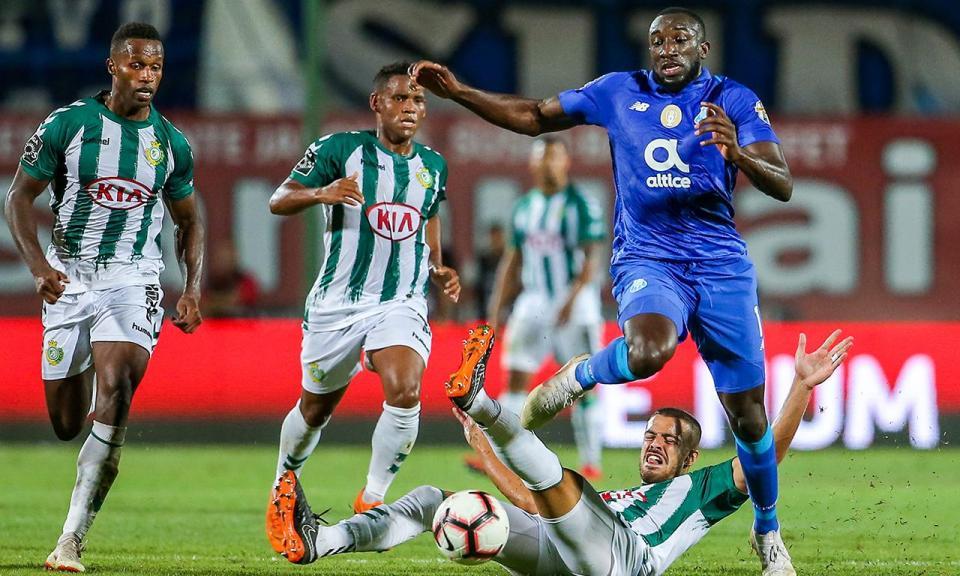 V. Guimarães trocou receita por Marega pelos passes de trio