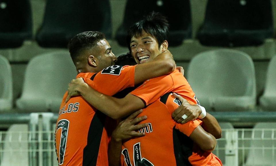 VÍDEO: erro de Sacko e chapéu de Nakajima dá vitória ao Portimonense