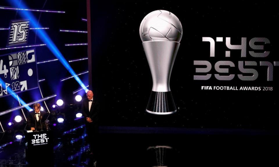 Prémio FIFA: Ronaldo a dez pontos de Modric e Messi no quinto lugar