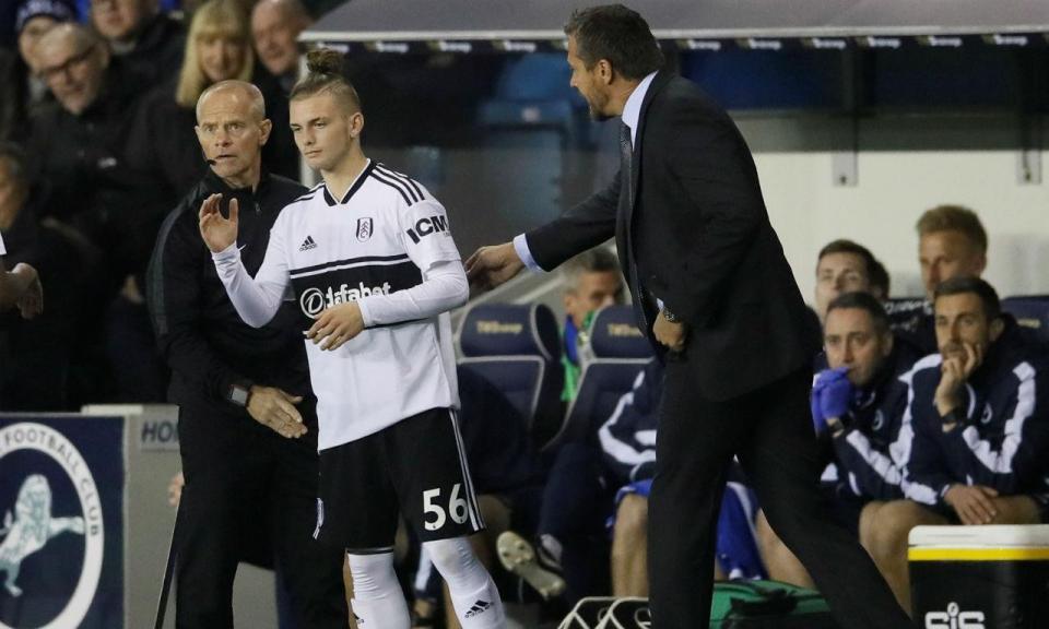 Fulham estreou jogador com... 15 anos
