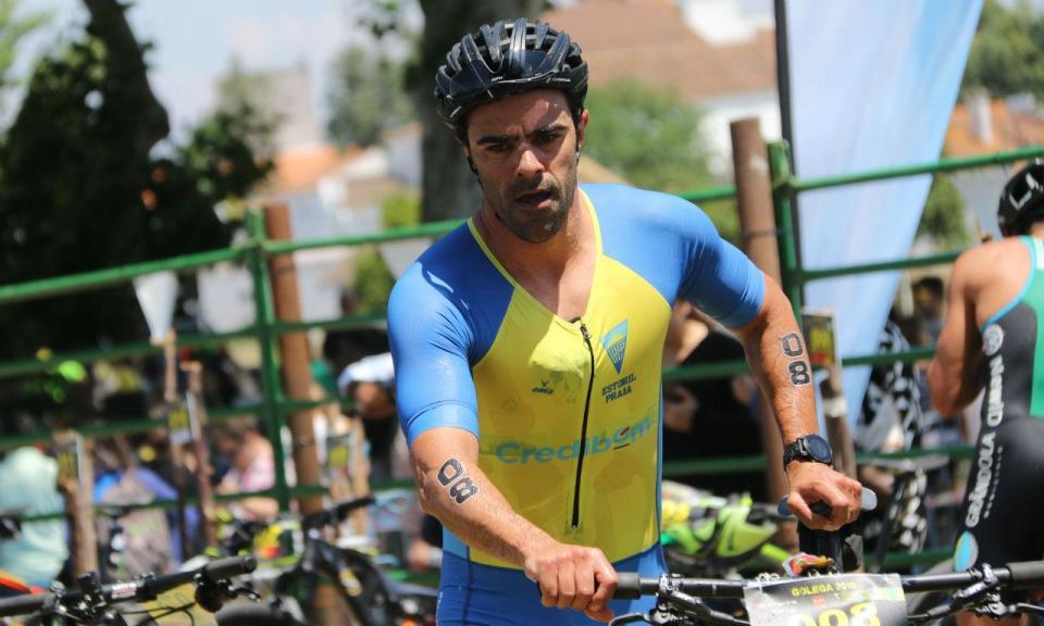 Do ciclismo ao triatlo: 20 anos de carreira profissional e dois JO