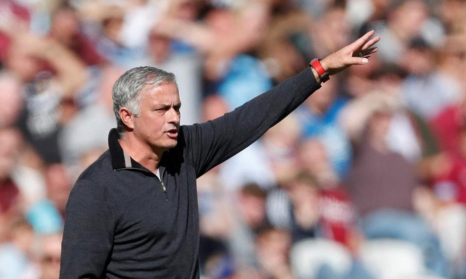 Mourinho: «Não posso dizer o que penso do plantel, receberei mais críticas»