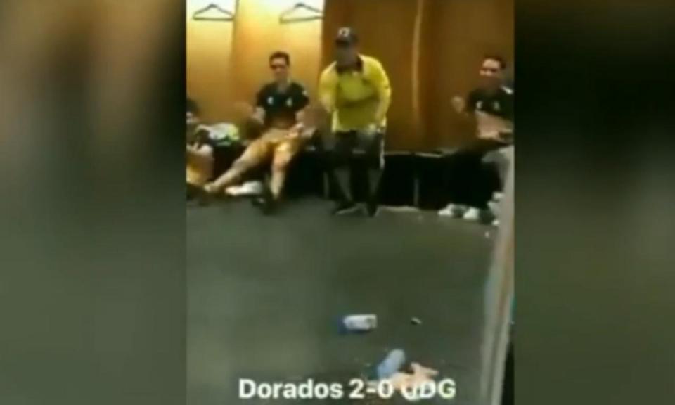 VÍDEO: ninguém resistiu a esta dança de Maradona no balneário