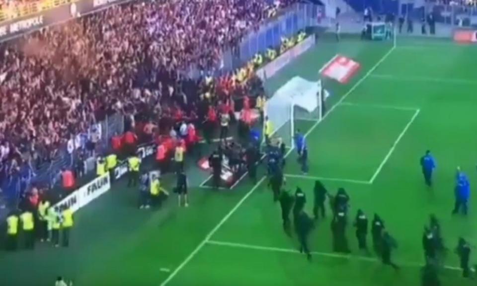 VÍDEO: queda de grade e duas paragens na vitória do Montpellier
