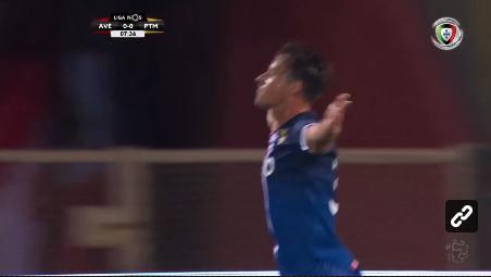 VÍDEO: capitão Vítor Gomes inaugura o marcador na Vila das Aves