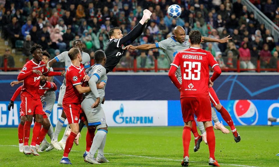 Atenção FC Porto: Eder e Fernandes titulares na derrota do Lokomotiv