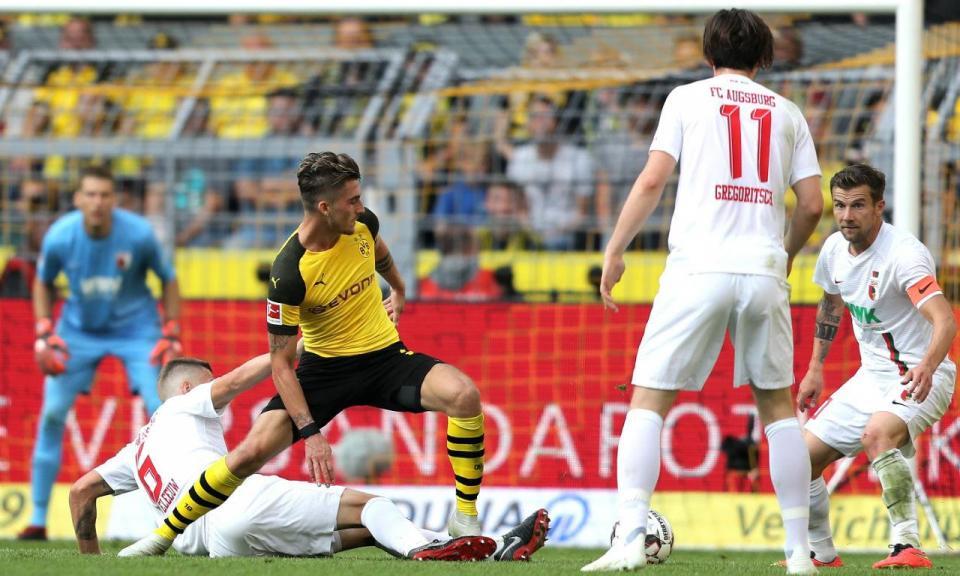 Alemanha: hat-trick de Alcácer dá vitória ao Dortmund em jogo de loucos