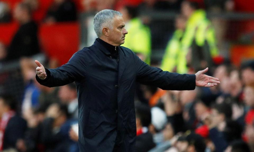 «Havia jogadores a chorar, outros a gritar, Mourinho confortou-os»