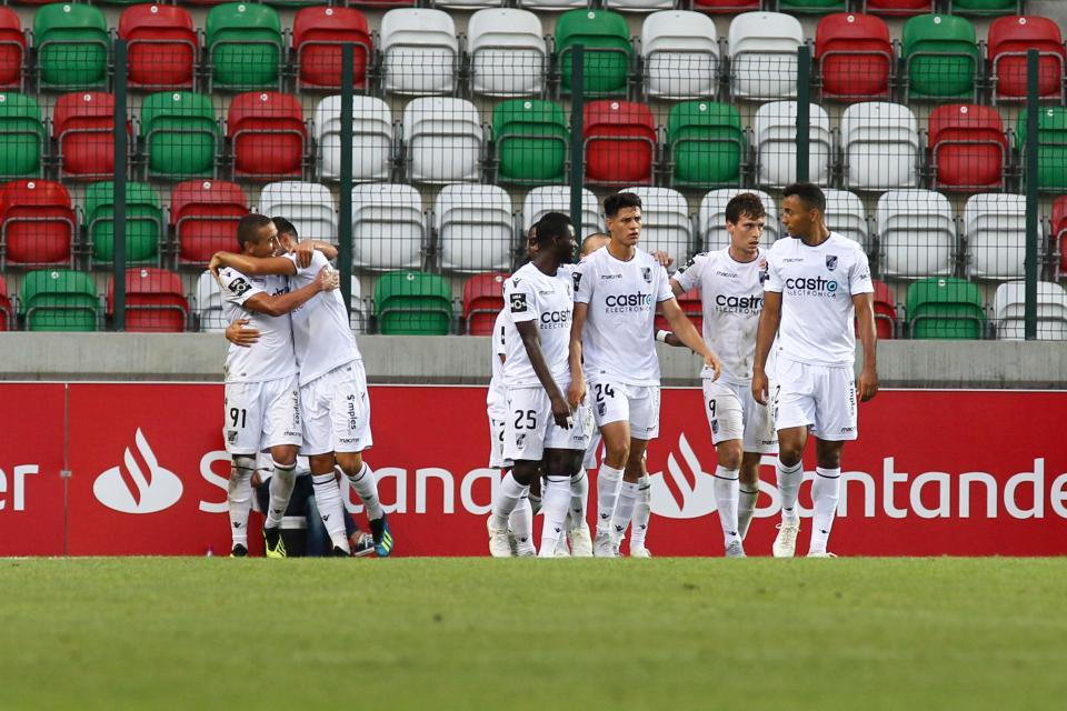 TP: V. Guimarães antecipa jogo com o Valenciano para o dia 20