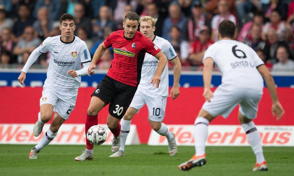 Leverkusen empata e não descola da zona de despromoção
