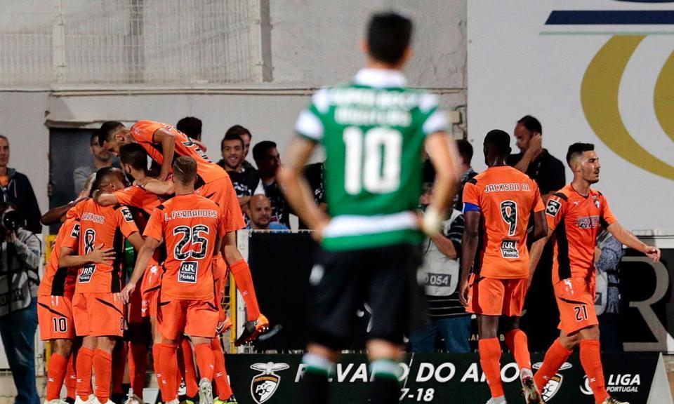VÍDEO: recuperação de Nakajima e João Carlos arranca para o 4-2 ao Sporting