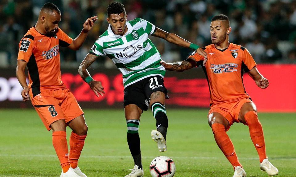 Corte de relva frente ao Sporting vale multa ao Portimonense
