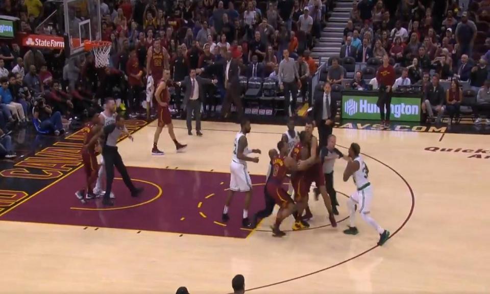VÍDEO: jogadores quase chegam a vias de facto na NBA