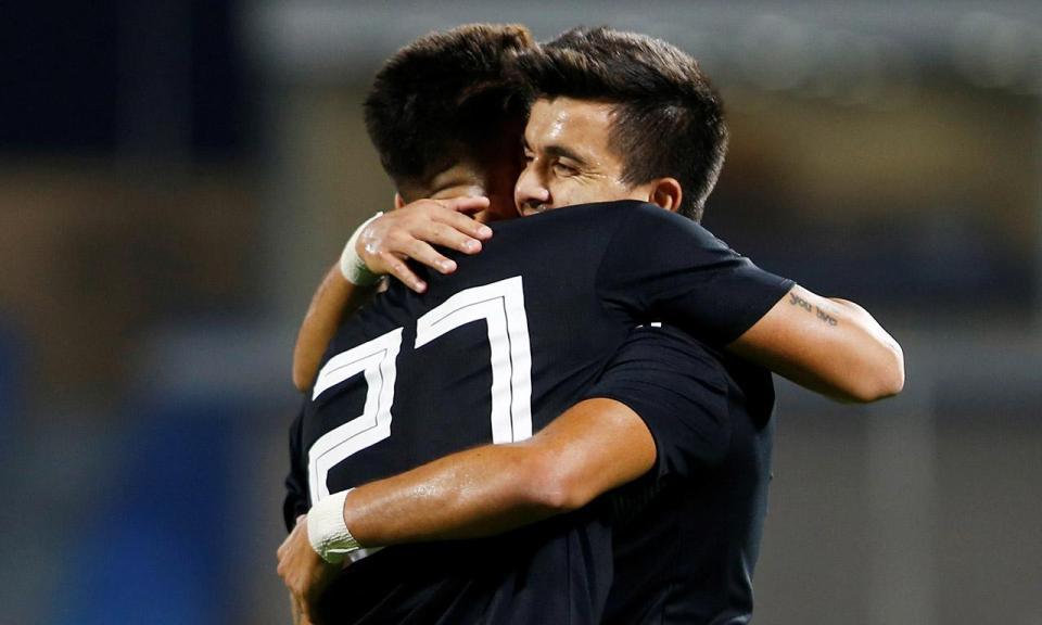 Cervi marca, Acuña e Salvio assistem na goleada da Argentina