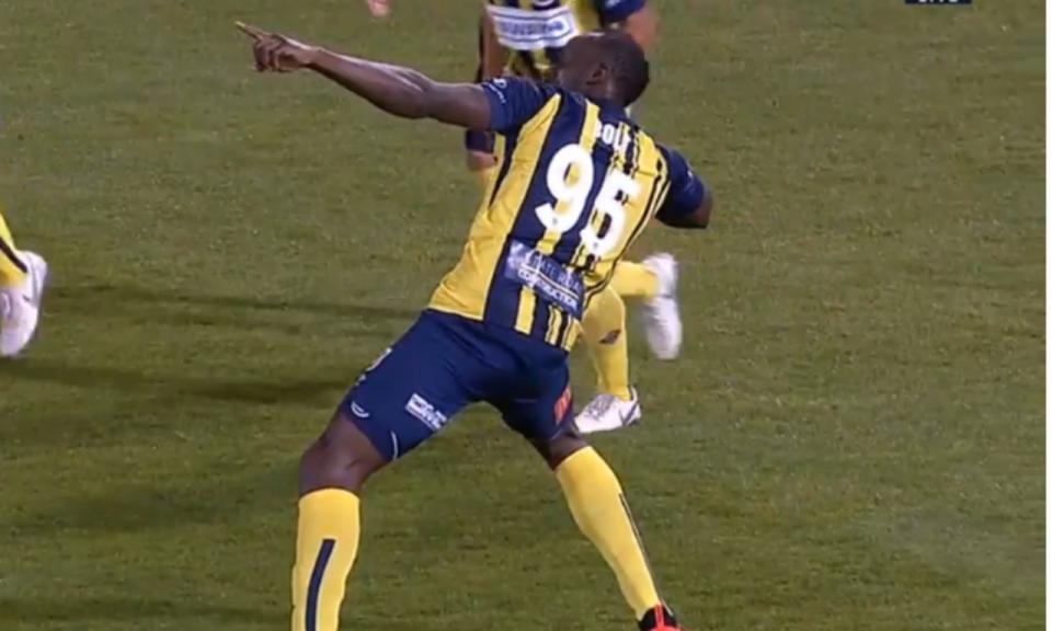 VÍDEO: Bolt (esse mesmo) faz os primeiros dois golos da carreira