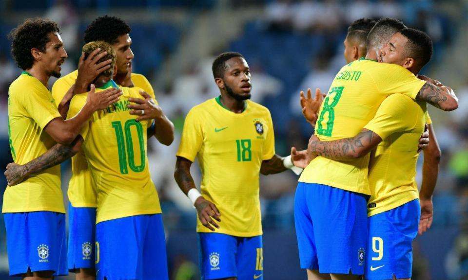Brasil: Marcelo e Coutinho substituídos por Alex Sandro e Renato Augusto