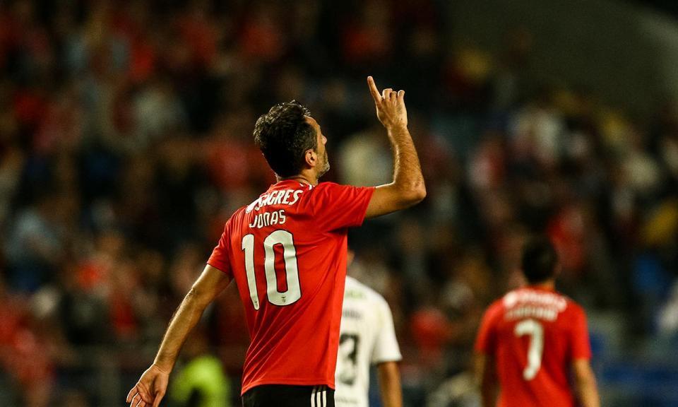 VÍDEO: passe de Félix e Jonas abre o marcador para o Benfica