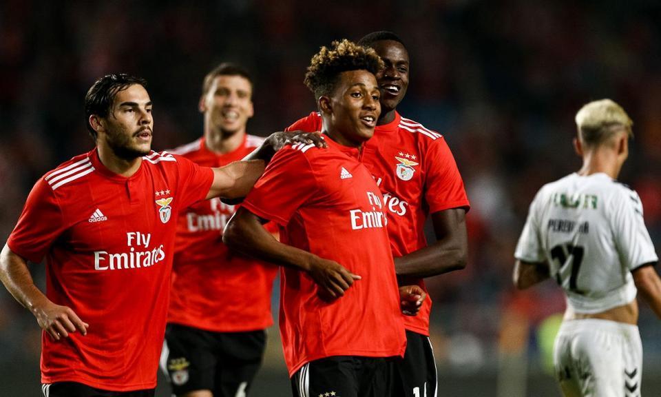 Benfica: apontar não é feio