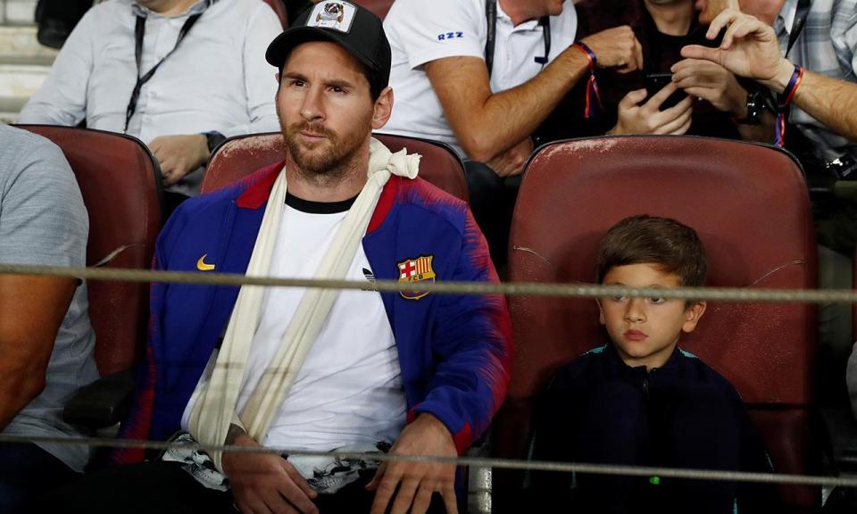 VÍDEO: veja como Messi sofreu como adepto no Barcelona-Inter