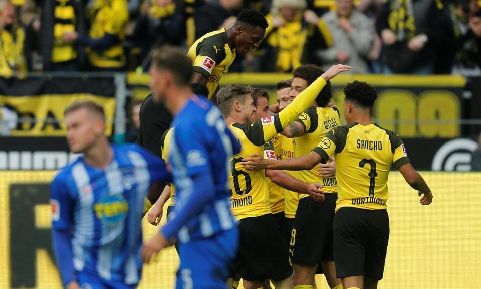 Alemanha: Dortmund deixa-se empatar, Bayern vence com Renato Sanches
