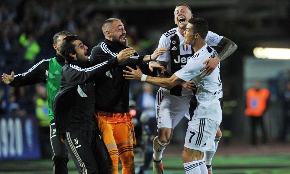 VÍDEO: Ronaldo dá vitória à Juventus com penálti, golaço e reviravolta